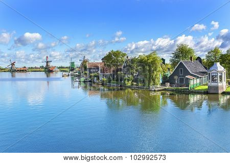 Tranquil place. Zaanse Schans. Amazing Dutch village.