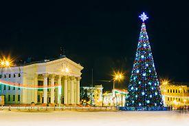 image of lenin  - Main Christmas Tree And Festive Illumination On Lenin Square In Gomel - JPG