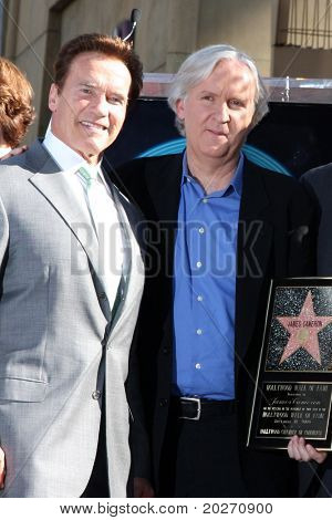 LOS ANGELES - DEC 18:  Arnold Schwarzenegger, James Cameron at the Hollywood Walk of Fame Ceremony for James Cameron at Walk of Fame on December 18, 2009 in Hollywood, CA
