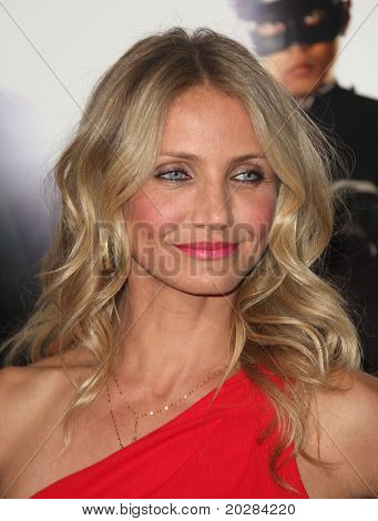 """LOS ANGELES - JAN 10:  Cameron Diaz arrives to Los Angeles Premiere of """"Green Hornet""""  on January 10,2011 in Hollywood, CA"""