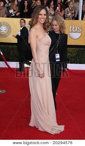 LOS ANGELES - 30 de ene: Hilary Swank llega a los premios SAG 2011 en 30 de enero de 2011 en Los un