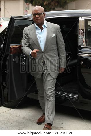 LOS ANGELES - MAY 08:  L.A. Reid arrives to the