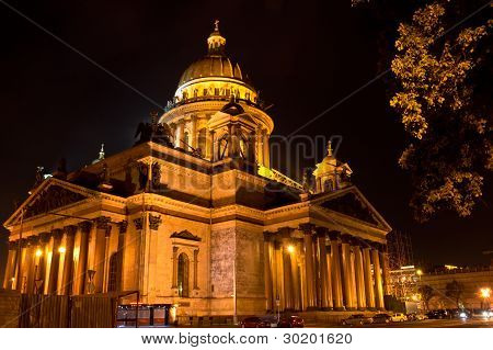 Saint Isaac's Cathedral (Isaakievskiy Sobor) at night, St. Petersburg, Russia
