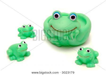 Frog Mom Ang Her Kids