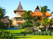 Mansion In Tropical Vacation Resort