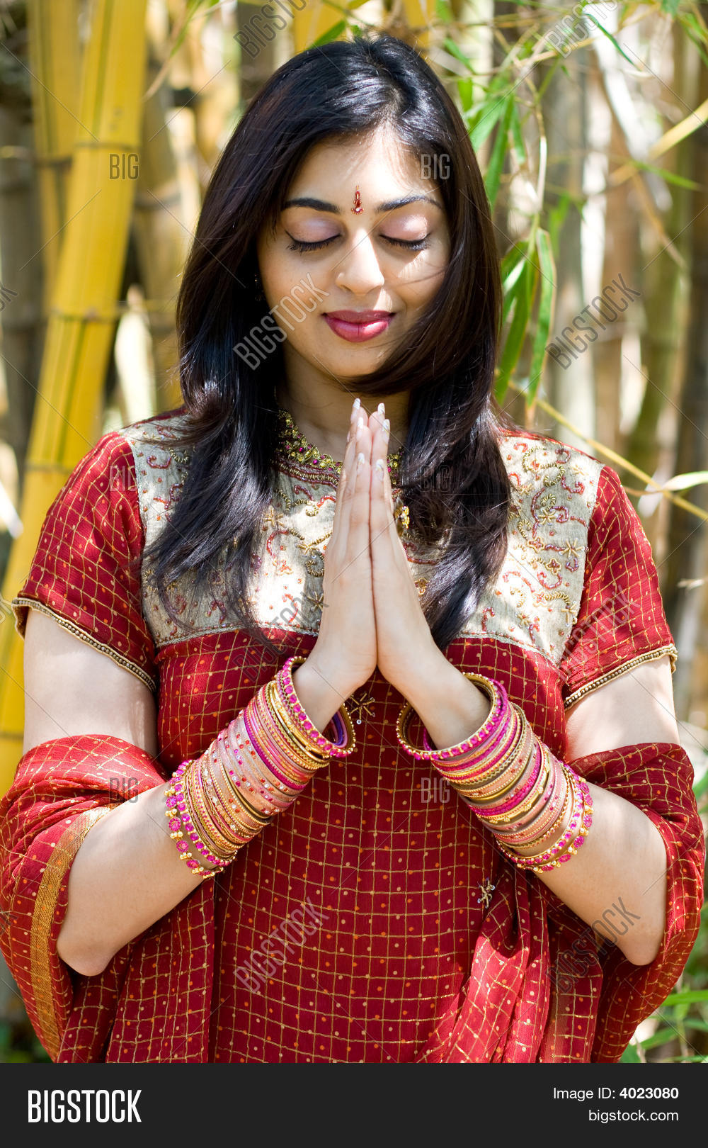 grandin hindu single women Tired of getting nowhere on traditional indian dating sites try elitesingles - the perfect place to meet compatible, eligible indian singles join today.