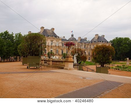 In The Jardin De Luxembourg In Paris City