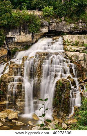 Inglis cai em Owen Sound, Ontario, Canadá