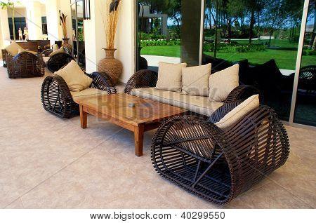 Gartenmöbeln auf Luxus-resort