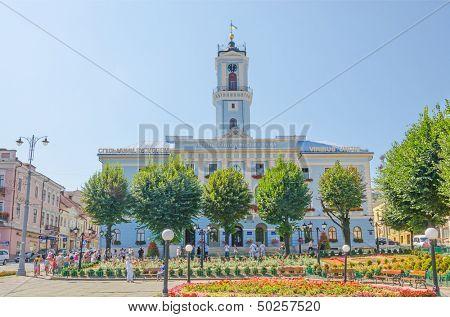 CHERNIVTSI (CZERNIOWCE), UKRAINE - AUG 17: Chernivtsi Town Hall - building of city administration,  Aug 17, 2013 in Chernivtsi , Ukraine.