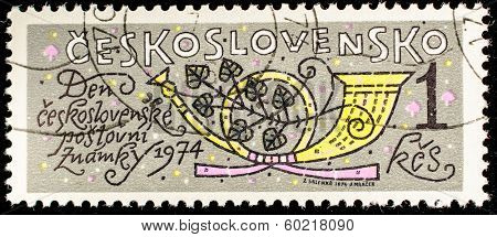 CZECHOSLOVAKIA - CIRCA 1974: A stamp printed in Czechoslovakia, shows Musical instrument hunting horn, circa 1974
