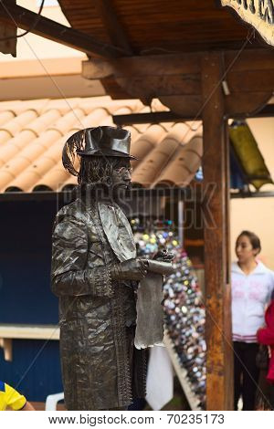 Living Statue in Banos, Ecuador