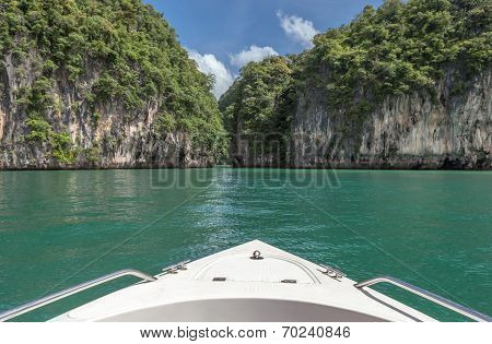 Travel By Boat To Beautiful Southern Sea Of Thailand