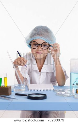 Laboratory Assistant In The Workplace