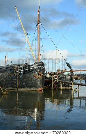pinmill barges