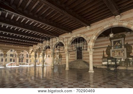 Loggia Del Lionello