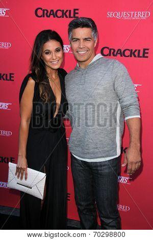 LOS ANGELES - AUG 14:  Emmanuelle Chriqui, Esai Morales at the Crackle Presents the Premieres of