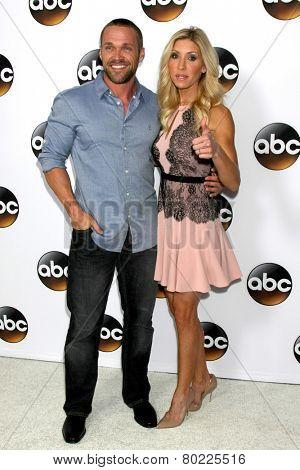 LOS ANGELES - JAN 14:  Chris Powell, Heidi Powell at the ABC TCA Winter 2015 at a The Langham Huntington Hotel on January 14, 2015 in Pasadena, CA