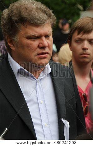 The Yabloko party leader Sergey Mitrokhin on an oppositional action of Okkupay Abay