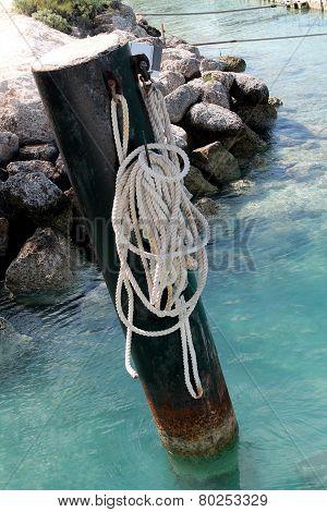 boat tie up in the ocean