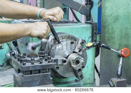 Operator Setup Turning Part On Manual Lathe Machine