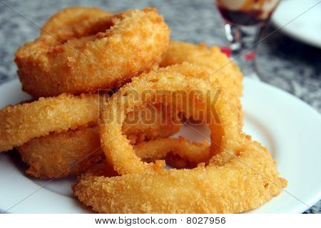 Pile of Deep fried onion rings