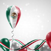 pic of balloon  - Flag of Mexico on balloon - JPG