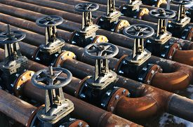 image of gas-pipes  - Oil and gas pipe line and valves - JPG