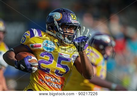 VIENNA, AUSTRIA - APRIL 27, 2014: RB Anthony Stevenson (#25 Vikings) runs with the ball.