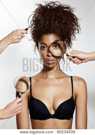 Black Model With Hands Holding Lenses Shows Her Ideal Skin And Hair