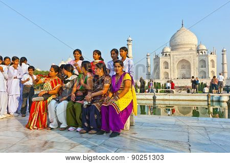 Thousands Of Tourists Visit Daily The Taj Mahal Mausoleum