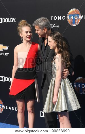 LOS ANGELES - MAY 9:  Britt Robertson, George Clooney, Raffey Cassidy at the