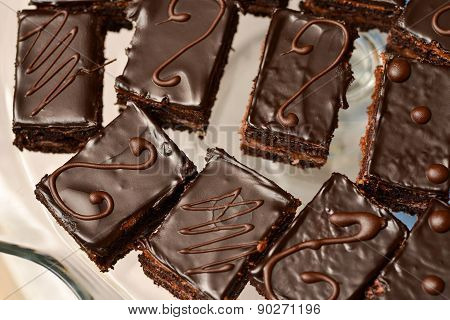 Cakes With Chocolate Icing