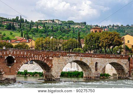 Verona (italy), Ponte Pietra
