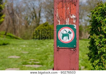 Dog On Leash Sign