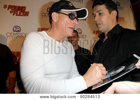 LOS ANGELES - MAY 7: Jean-Claude Van Damme attends the premiere of