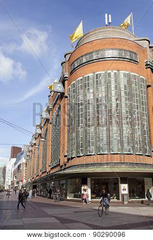Shopping Center Bijenkorf In The Hague