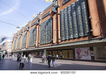 Dutch Shopping Center Bijenkorf In The Hague