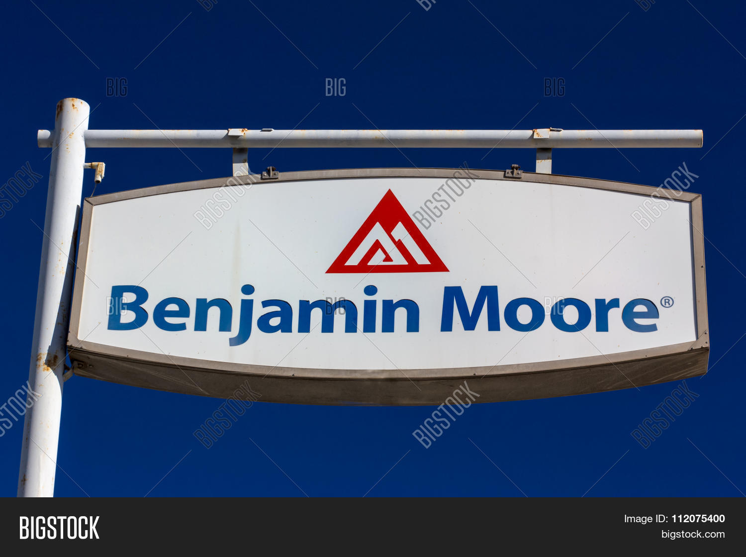 benjamin moore paint store logo and sign stock photo & stock