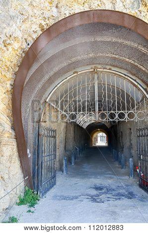 Whaler's Tunnel Access Point: Fremantle, Western Australia