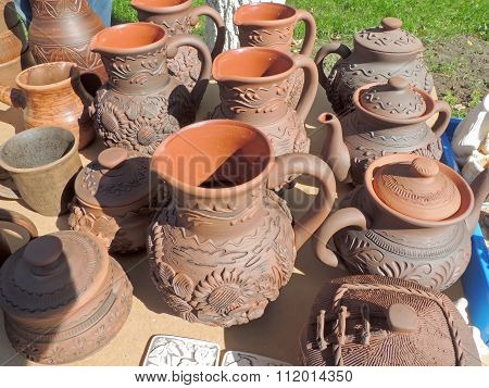 Ceramic earthenware pots, teapots and mugs
