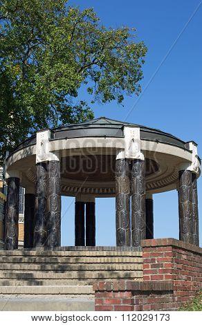 Swan temple