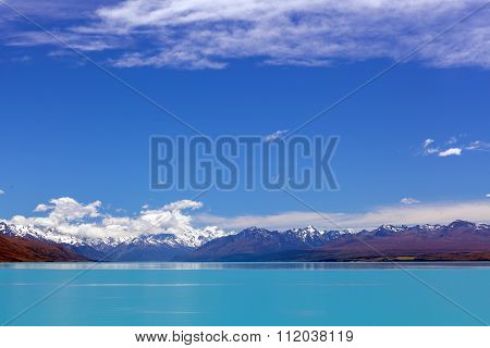 Turquoise Lake Tekapo And Snow-capped Southern Alps, New Zealand