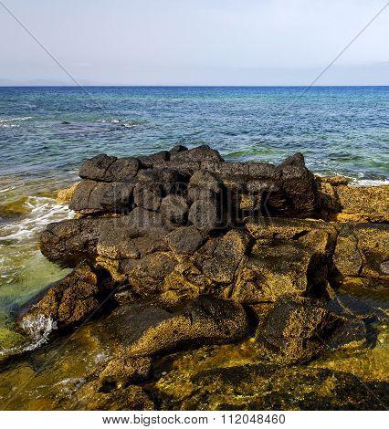 In Lanzarote Froth Coastline  Spain Pond  Rock Stone Sky Cloud Beach