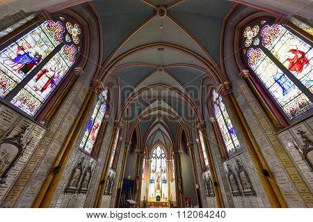 Sanctuaire Notre-dame Du Sacre-coeur Church