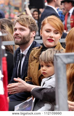 LOS ANGELES - DEC 10:  Seth Gabel, Bryce Dallas Howard, Theodore Gabel at the Ron Howard Star on the Hollywood Walk of Fame at the Hollywood Blvd on December 10, 2015 in Los Angeles, CA