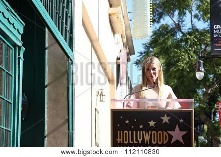 LOS ANGELES - DEC 8:  Gwyneth Paltrow at the Rob Lowe Star on the Hollywood Walk of Fame at the Hollywood Blvd on December 8, 2015 in Los Angeles, CA