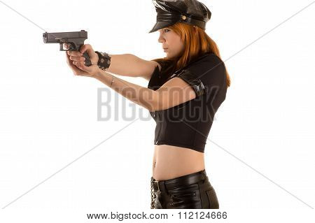 police woman aiming a pistol