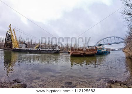 Work To Replace The Lock Gates Of The Volga-don Shipping Canal