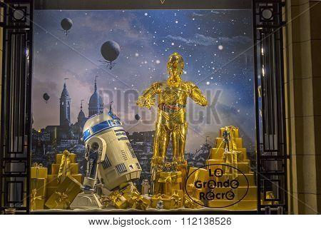 Star Wars Droids In A Showcase. Paris.